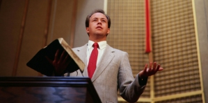 1348838436pastor_preaching_pulpit_620px
