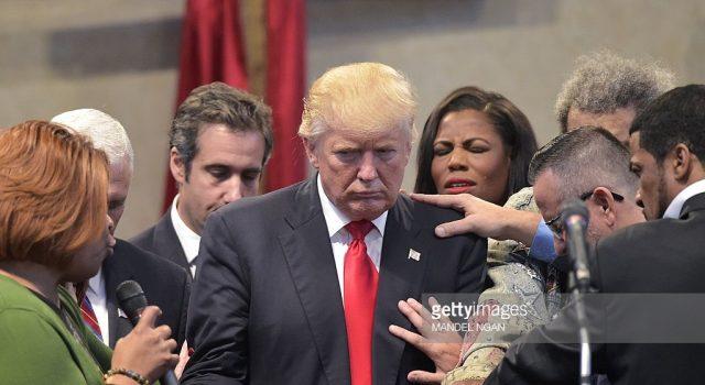 donald-trump-prayer-640x350