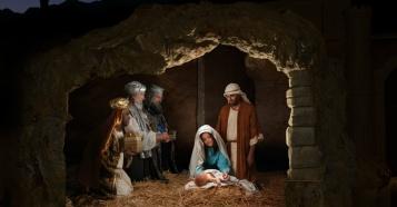 29980-12349-Nativity_BirthJesus.1200w.tn.1200w.tn